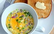 """3 cách làm bữa sáng nhanh gọn nhẹ với trứng, chị em chỉ mất chưa đầy 5 phút thao tác đã có thể tự tin """"ấm bụng"""" bước ra đường!"""
