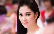 Tuổi thơ nghèo khổ cùng bố mẹ chạy lũ, chống bão của Hoa hậu Nguyễn Thị Huyền