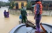 """Nước sông dâng cao, lính biên phòng giải cứu hơn 200 người dân """"ốc đảo"""" Hồng Lam"""