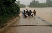 Huyện Minh Hóa (Quảng Bình): Mưa, lũ cô lập nhiều địa phương, toàn bộ học sinh phải nghỉ học