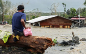 Hình ảnh tan hoang, hàng trăm ngôi nhà bị chôn vùi dưới đất đá trong siêu bão Goni ở Philippines