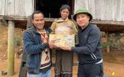 Trao hơn 130 triệu đồng của Tập đoàn Tân Hiệp Phát tới người dân vùng lũ