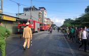 Hải Dương: Xe đầu kéo đâm vào bên đường sau va chạm làm cháy 3 nhà dân, tài xế tử vong
