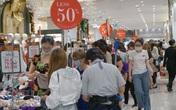 """Ùn ùn đổ về trung tâm thương mại săn """"sale"""" Black Friday"""