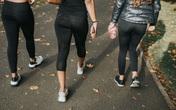 Nhiều trường cấm nữ sinh mặc đồ bó sát để tránh quyến rũ nam giới