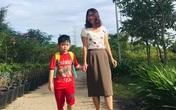 """Con trai 5 tuổi đi học quậy phá bị cô đuổi ra khỏi lớp, người mẹ có cách xử lý cực """"đỉnh"""", chỉ sau 1 đêm con ôm cổ cảm ơn rối rít"""