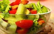 Nếu chị em đã chán ăn rau củ luộc trong mỗi bữa cơm, món salad xanh mướt vừa ngon vừa bắt mắt này sẽ giúp bạn đổi vị mà chỉ tốn 5 phút chế biến!