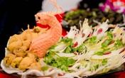 """Mãn nhãn loạt món ăn hải sản được bài trí theo phong cách """"rồng bay phượng múa"""""""