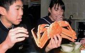 Bữa trưa đặc biệt với tôm hùm, cua tuyết của học sinh Hàn Quốc, Nhật Bản