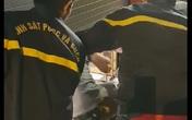 Cảnh sát phá cửa cuốn cứu 5 người mắc kẹt trong cửa hàng ở Sài Gòn