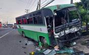 Xe chở công nhân tông xe tải, hơn 30 người may mắn thoát chết