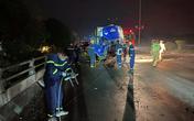 12 chiến sĩ cảnh sát giải cứu tài xế mắc kẹt trong cabin ô tô sau vụ tai nạn trong đêm rét buốt