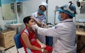Bé trai chảy máu mũi hơn 30 phút mỗi lần