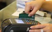 """Khách hàng có nguy cơ bị đánh cắp thông tin, các ngân hàng ráo riết """"khai tử"""" thẻ từ, thay bằng thẻ chip"""