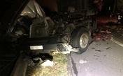 Xe đầu kéo tông vào đuôi container trên cao tốc lúc rạng sáng, một người bị thương nặng