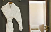 Nhà hàng, khách sạn đối phó với thói quen 'cầm nhầm' đồ của khách
