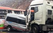 Tai nạn liên hoàn giữa 3 xe ô tô, nhiều người thương vong