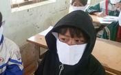 Đăng ảnh học sinh đeo khẩu trang bằng giấy, một cán bộ và hiệu trưởng bị phê bình