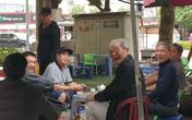 """Hà Nội: Nhiều tụ điểm đông người đang """"dửng dưng"""" trước dịch COVID-19"""