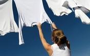 Trời nồm ẩm, quần áo phơi mãi không khô khiến vi khuẩn sinh sôi này nở, mẹo nhỏ này giúp chúng nhanh khô hơn