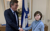 Thần đồng 10 tuổi bỏ chương trình tiến sĩ ở Mỹ, sang Israel học thạc sĩ