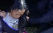 Bắt quả tang người đàn bà mang heroin tại đèo Khau Phạ