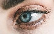 Bí quyết chăm sóc và bảo vệ mắt đeo kính áp tròng bạn nên biết