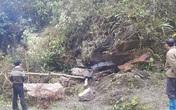 Trú mưa trong hang, 2 cha con bị đá đè tử vong thương tâm