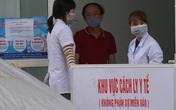 Gấp rút dựng trạm xét nghiệm COVID-19 dã chiến tại chung cư Thanh Hà