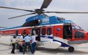 Trực thăng đưa 2 bệnh nhân nặng từ Trường Sa về đất liền cấp cứu