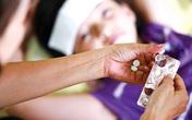 Tự mua thuốc giảm đau, hạ sốt trong mùa dịch nguy hiểm thế nào?