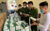 Hải Phòng: Chủ xưởng đóng mũi giày tự sản xuất khẩu trang rồi thuê xe cứu thương chở đi bán