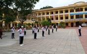 Hải Phòng: Ngày đầu trở lại đi học sau dịch COVID-19, các trường chia sĩ số để giãn cách trong lớp