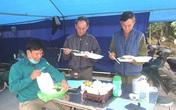 Bữa ăn tại các chốt kiểm dịch ở Hải Dương: Nơi tổ chức nấu, chỗ về nhà ăn