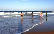 Đã tìm thấy 1 nạn nhân trong vụ 2 cháu nhỏ Hà Nội mất tích khi tắm biển