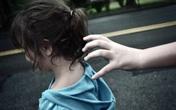 Truy tố nhân viên khách sạn dâm ô với 5 bé gái