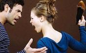 Ghen tuông mù quáng, vợ làm việc này với chồng trước mặt bạn bè khiến anh ta mất hết mặt mũi