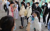 Hà Nội: Phát hiện 3 học sinh bị sốt trong ngày đầu quay lại trường học