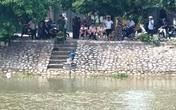 Hành động lạ của người đàn ông nhảy xuống sông... tự tử