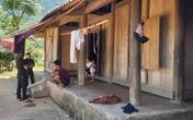 Quỳ Châu - Nghệ An: Chia đều tiền hỗ trợ COVID-19 cho các hộ dân trong bản