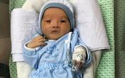 Bé sơ sinh bị bỏ rơi dưới hố ga ở Hà Nội đã tự mở to đôi mắt