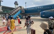 Nữ hành khách từ Huế vào TP.HCM tử vong nghi do trượt chân ngã trên xe thang máy bay