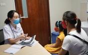 Con gái 7 tuổi kêu đau ngực, mẹ hốt hoảng khi bác sĩ nói con bị dậy thì sớm