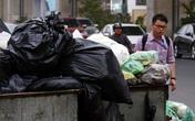 Người dân lại chặn xe tải vào khu xử lý rác thải Nam Sơn