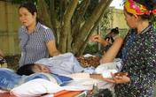 Vụ cán bộ trường học hiếp dâm trẻ tàn tật: Mong có tiền để đưa con ra Hà Nội chữa trị