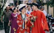 Cô dâu chú rể diện gây ấn tượng mạnh khi cổ phục triều Nguyễn trong ngày cưới