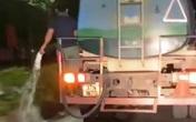 Nghệ An: Phản cảm hình ảnh nhân viên cây xanh tưới nước ra đường thay vì tưới cây