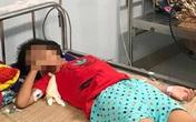 Bé gái 11 tuổi nguy kịch vì uống nhầm a-xít khi mua nước ở cổng trường