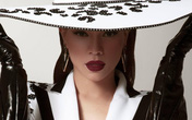 Nghi vấn Nhật Kim Anh mặc váy nhái lại thiết kế Hồ Ngọc Hà từng mặc: Đến NTK cũng phải lên tiếng, giống 95% bản gốc