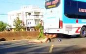 Nữ công nhân tử vong dưới gầm xe khách ở Đồng Nai